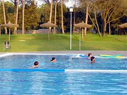 Piscina municipal de riudellots de la selva esports del for Piscina la selva